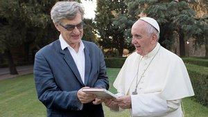 Regisseur Wim Wenders mit Papst Franziskus.