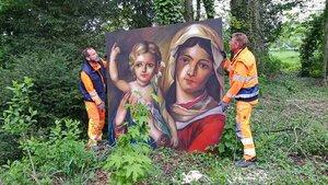 Madonnari-Bild auf dem Kreuzweg.