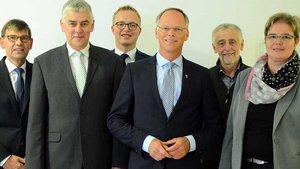 Generalvikar Klaus Winterkamp (4. von links) mit den Ehrenamtlichen des Diözesanvermögensverwaltungsrats. | Foto: pbm