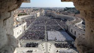 Der Petersplatz während der Messe zur Heiligsprechung. | Foto: Alessandro Bianchi (Reuters)