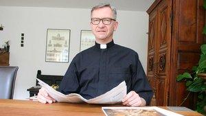 Antonius Hamers, Leiter des Katholischen Büros in Düsseldorf, kritisiert die Kita-Finanzierung des Landes NRW. | Foto: Jens Joest