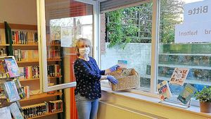 Bücherei-Leiterin Claudia Waltring