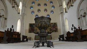 Taufbecken im Westchor des Münsteraner Doms.