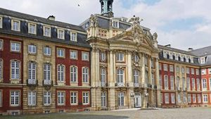 Die Ehrendoktorwürde wurde im Schloss in Münster verliehen. | Foto: Erich Westendarp, pixelio.de