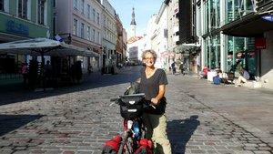 Geschafft: Heike Honauer in der estländischen Hauptstadt Tallinn. | Foto: Heike Honauer