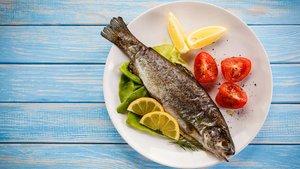 Als typisch katholisches Freitagsopfer galt lange der Verzicht auf Fleisch und Wurst. Freitags wurde Fisch gegessen.