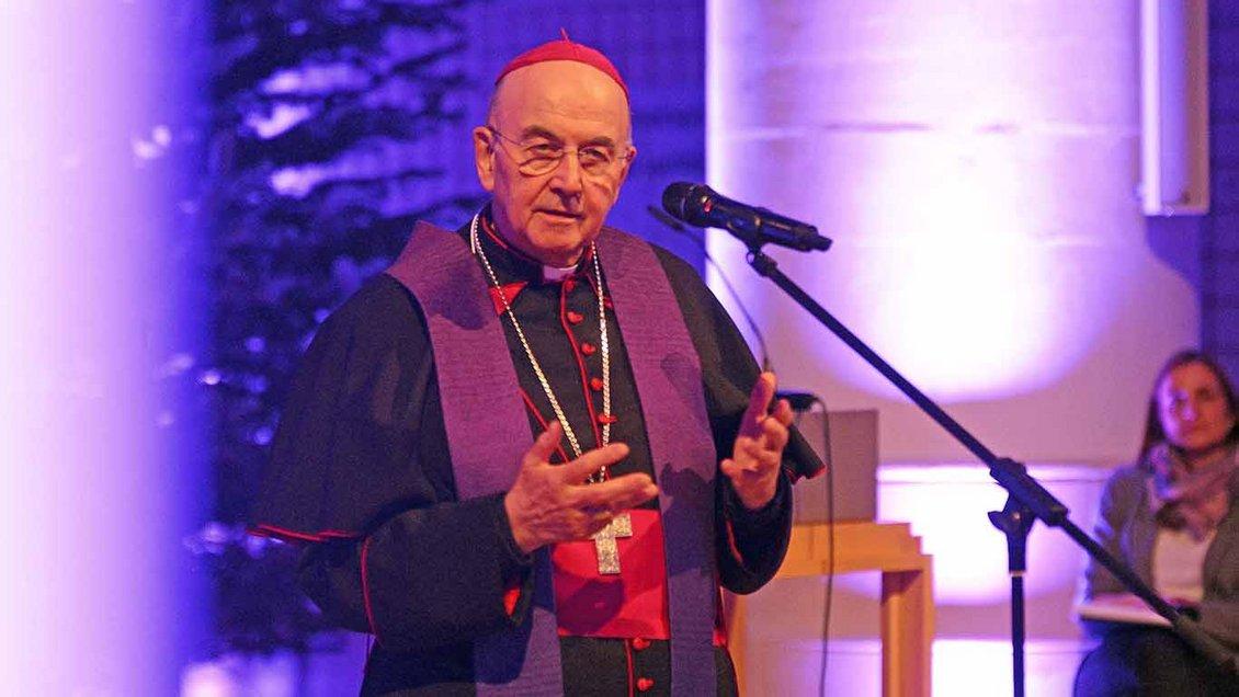 Bischof Genn in der Jugendkirche Effata in Münster Foto: Ann-Christin Ladermann (pbm)