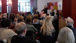 Etwa 100 Gäste waren zum Vortrag von Wolfgang Bosbach in die Alixianer Waschküche in Münster gekommen. | Foto: Claudia Maria Korsmeier