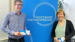 Andree Burke und Barbara Zimmermann bereiten die Fachgespräche in Münster vor. | Foto: Gerd Felder