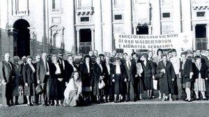 Vor 30 Jahren reisten 50 Gläubige aus Bad Waldliesborn und und St. Ludgeri Münster zur Seligsprechung von Niels Stensen nach Rom. | Foto: Klaus Luig