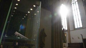 Seit Oktober 2013 ist die Vitrine in der St.-Nikomedes-Kirche leer. | Foto: Michael Bönte