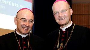 Bischof Felix Genn, bis 2008 Bischof von Essen, mit seinem Nachfolger als Ruhrbischof, dem vormaligen Münsteraner Weihbischof Franz-Josef Overbeck am Tag von dessen Amtseinführung am 20. Dezember 2006.