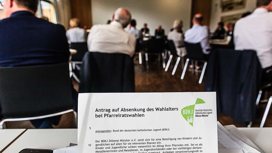Der Antrag auf Absenkung des Wahlalters wurde angenommen. Foto: Christof Haverkamp