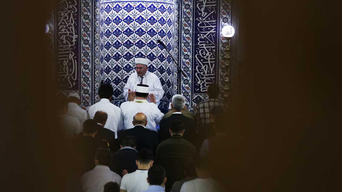 Imam in einer Moschee in Dortmund.