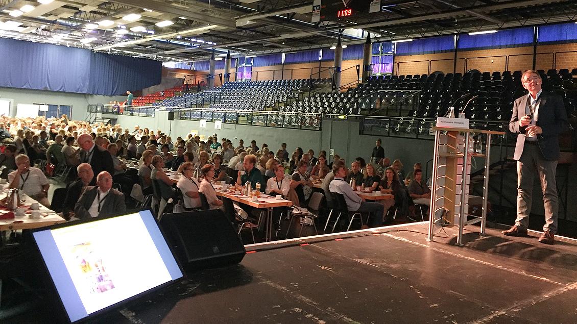 Gregor Breucker sprach vor fast 600 kirchlichen Mitarbeitervertretern