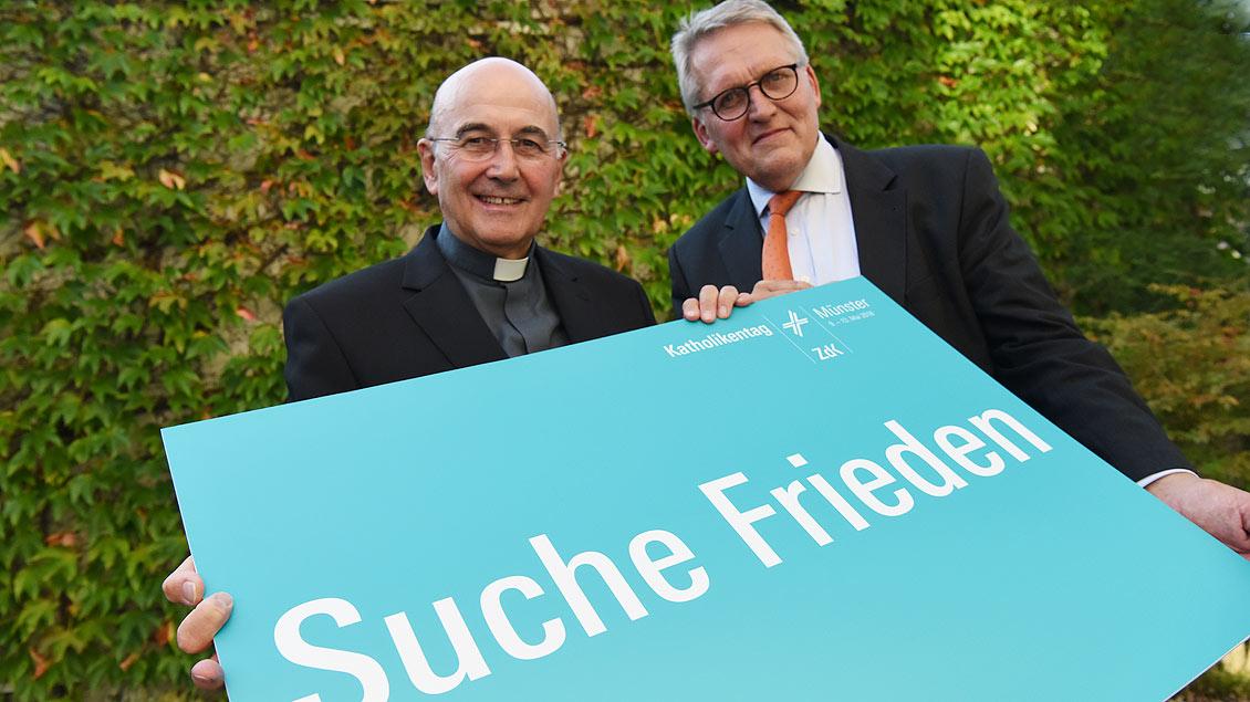 Bischof Felix Genn (l.) und Thomas Sternberg.