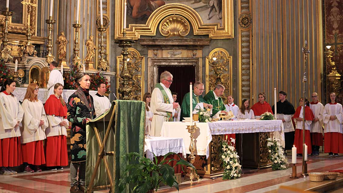Gottesdienst in der Kirche Sant' Ignazio.