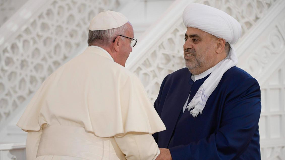 Papst Franziskus und Großmufti Allahschükür Paschazade.