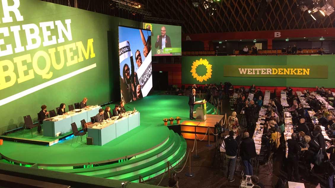 Parteitag der Grünen in Münster. Am Rednerpult der religionspolitische Sprecher der Partei, Volker Beck.