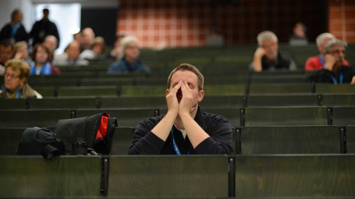 Beim Katholikentag in Regensburg: Viele freie Plätze im Publikum.