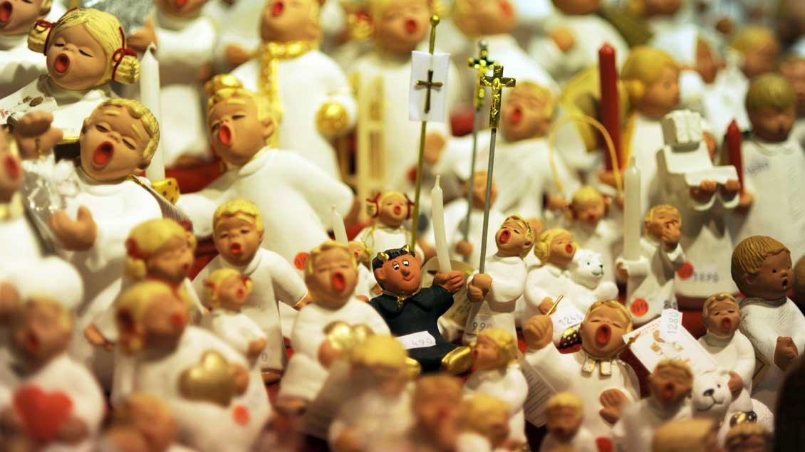 Tausend Künste kennt der Teufel, aber singen kann er nicht: Gesehen auf einem Weihnachtsmarkt.