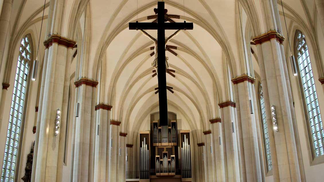 Heller, großzügiger, offener: Blick in die renovierte Überwasserkirche in Münster.