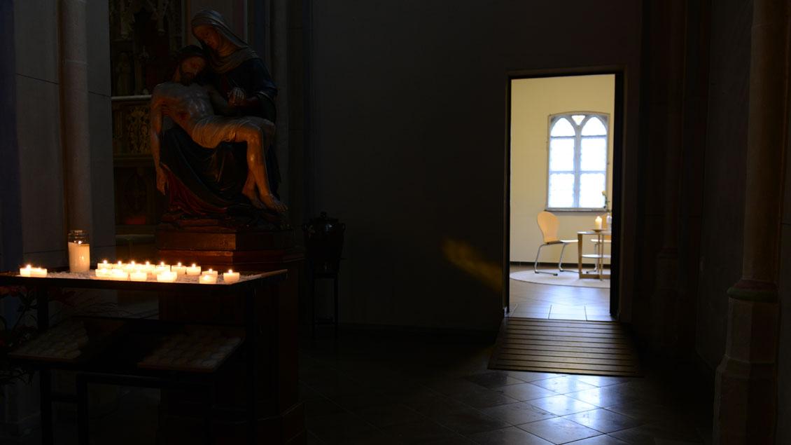 Die Pforte der Barmherzigkeit im Forum St. Peter Oldenburg führte zu einem Gesprächsraum.