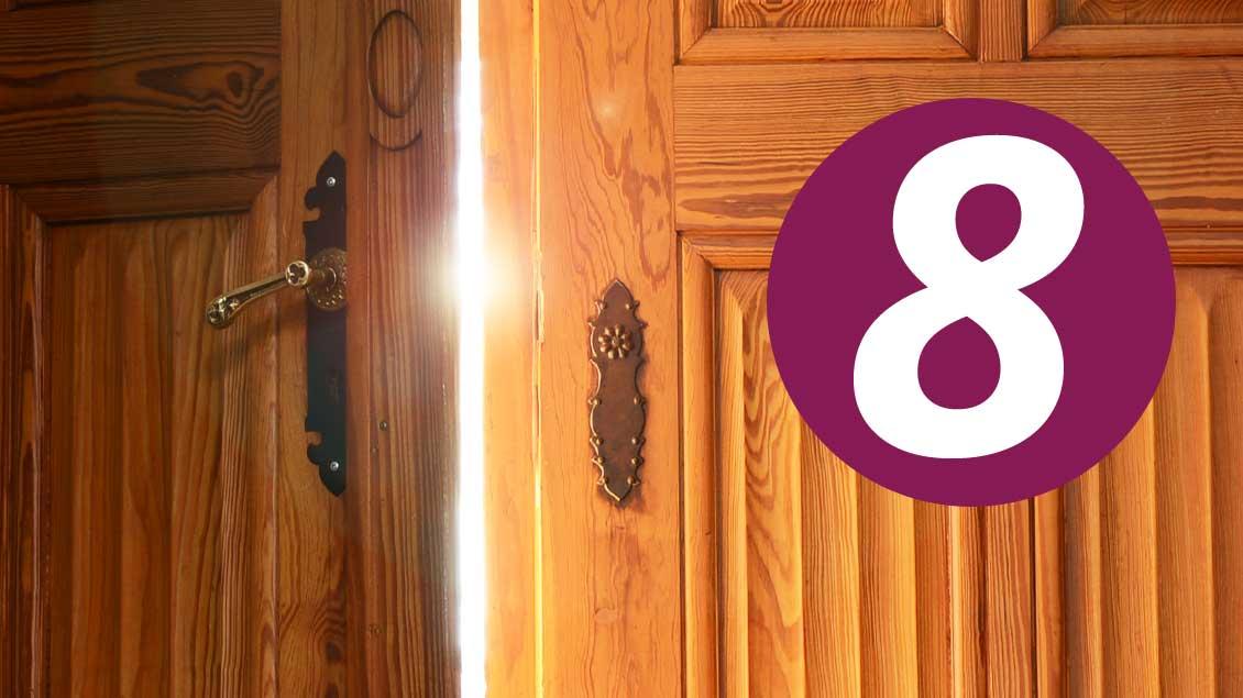 8. Dezember: Was verbirgt sich hinter dieser Tür im Kirche+Leben-Adventskalender?
