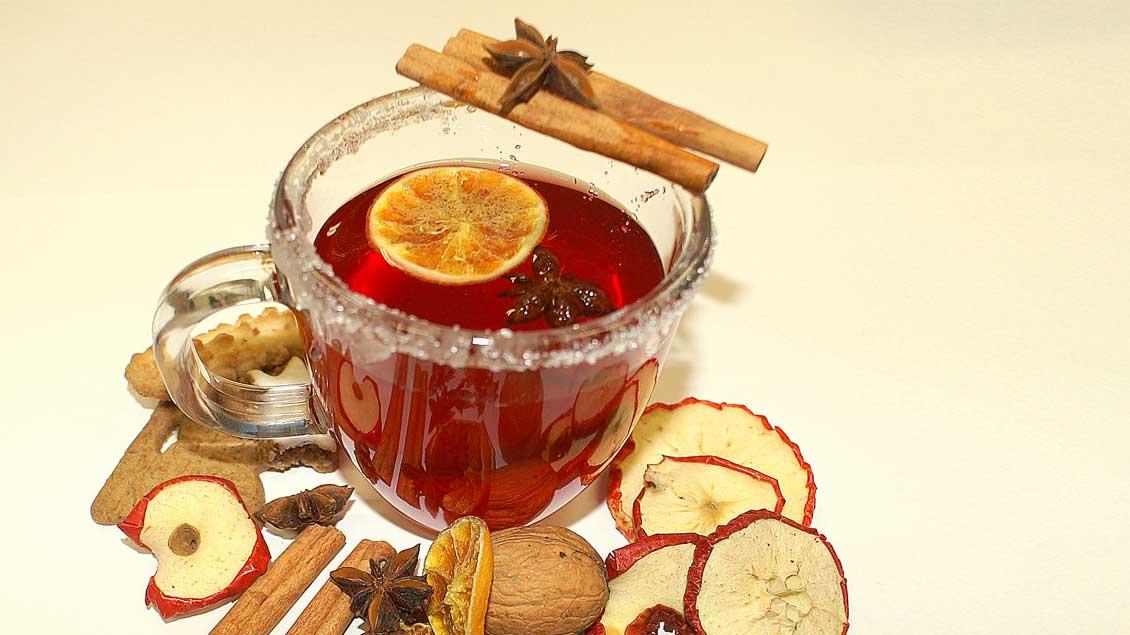 Der Advent duftet nach Zimt und Nelken, Orangen und Äpfeln, Tannen und Kerzen, Vanillekipferln und Lebkuchen, nach Kaffee und Tee, Glühwein und Eierpunsch.