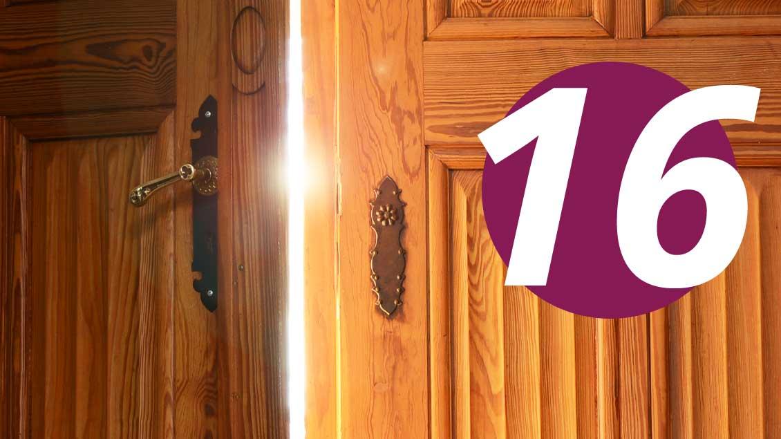 16. Dezember: Was verbirgt sich hinter dieser Tür im Kirche+Leben-Adventskalender?