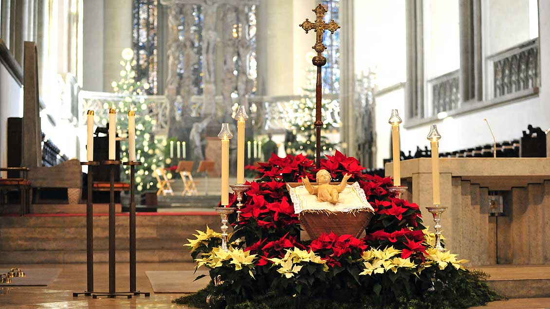 kirche leben weltkriegsbombe weihnachtsgottesdienste in. Black Bedroom Furniture Sets. Home Design Ideas