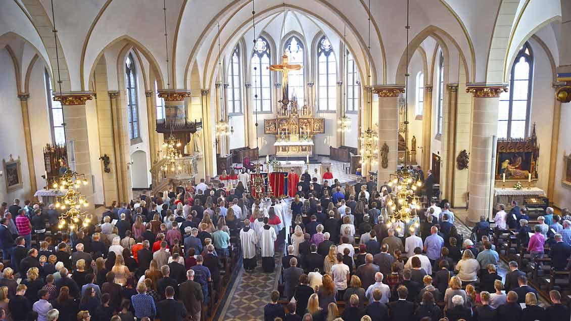 So voll wie auf diesem Foto von der Firmung am 24. September hätte es Pfarrer Michael Bolten am liebsten an jedem Sonntag in den Kirchen der Friesoyther St.-Marien-Gemeinde.