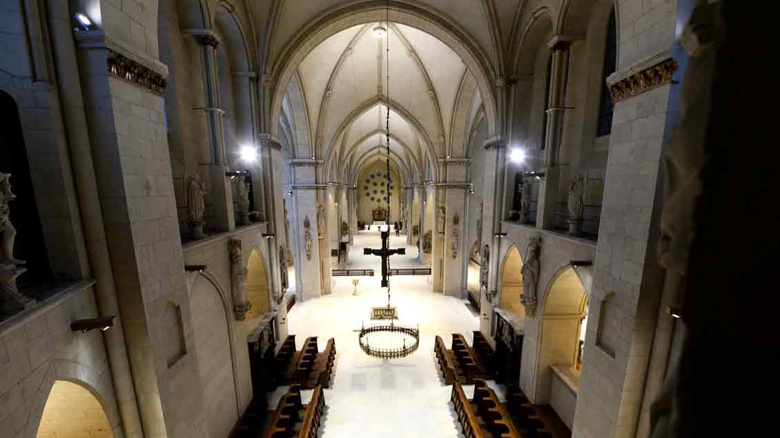 """Blick in den St.-Paulus-Dom in Münster, aus dem """"Kirche-und-Leben.de"""" am Freitag und am Sonntag live überträgt."""