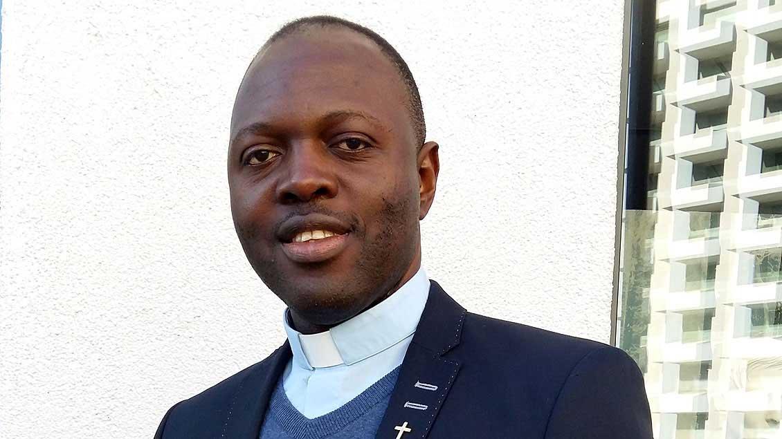 Pfarrer Thaddeus Ejiofor Eze.