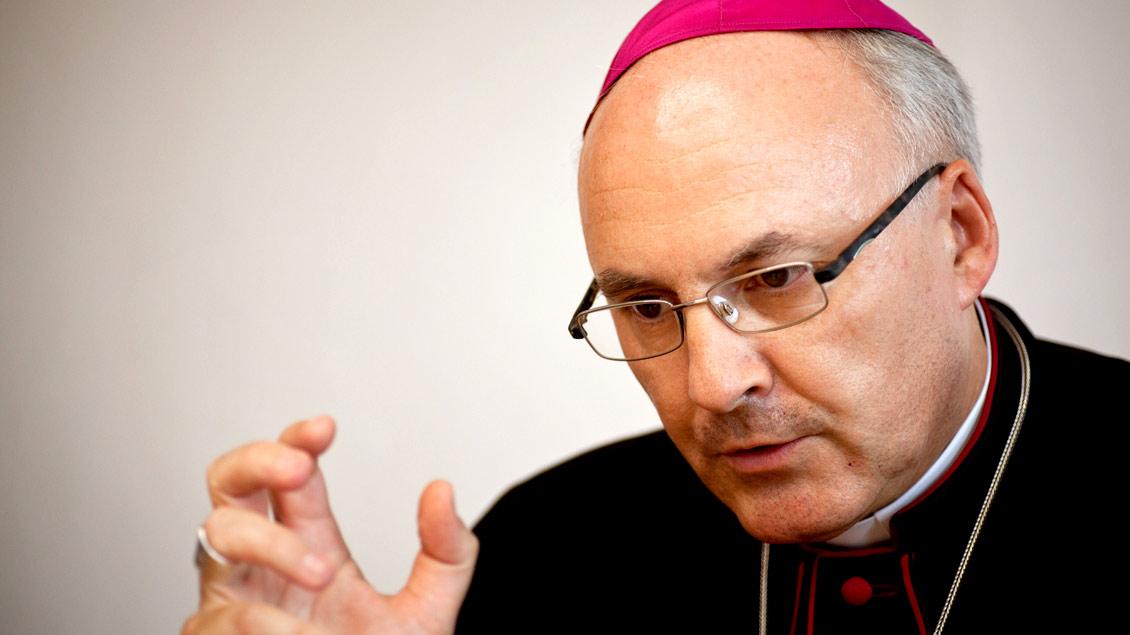 """Regensburgs Bischof Rudolf Voderholzer hält das politische Tagesgeschäft ausschließlich für eine Aufgabe der """"Weltchristen in den Parteien und Verbänden""""."""