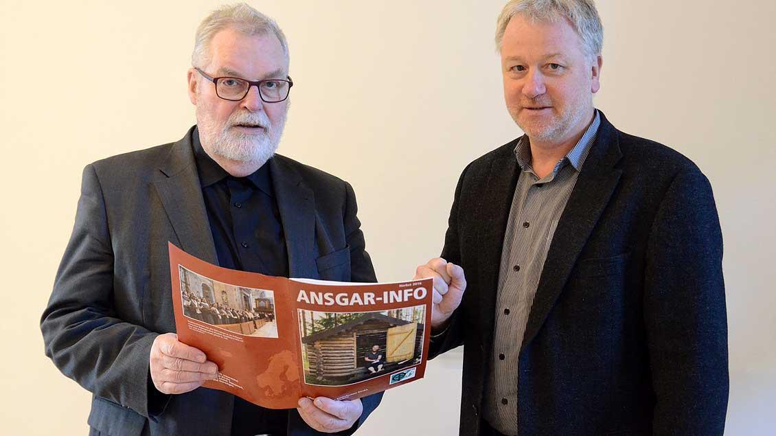 Ansgarwerk-Leiter Norbert Kleyboldt (links) und Geschäftsführer Ralf Siemer Foto: Ann-Christin Ladermann (pbm)