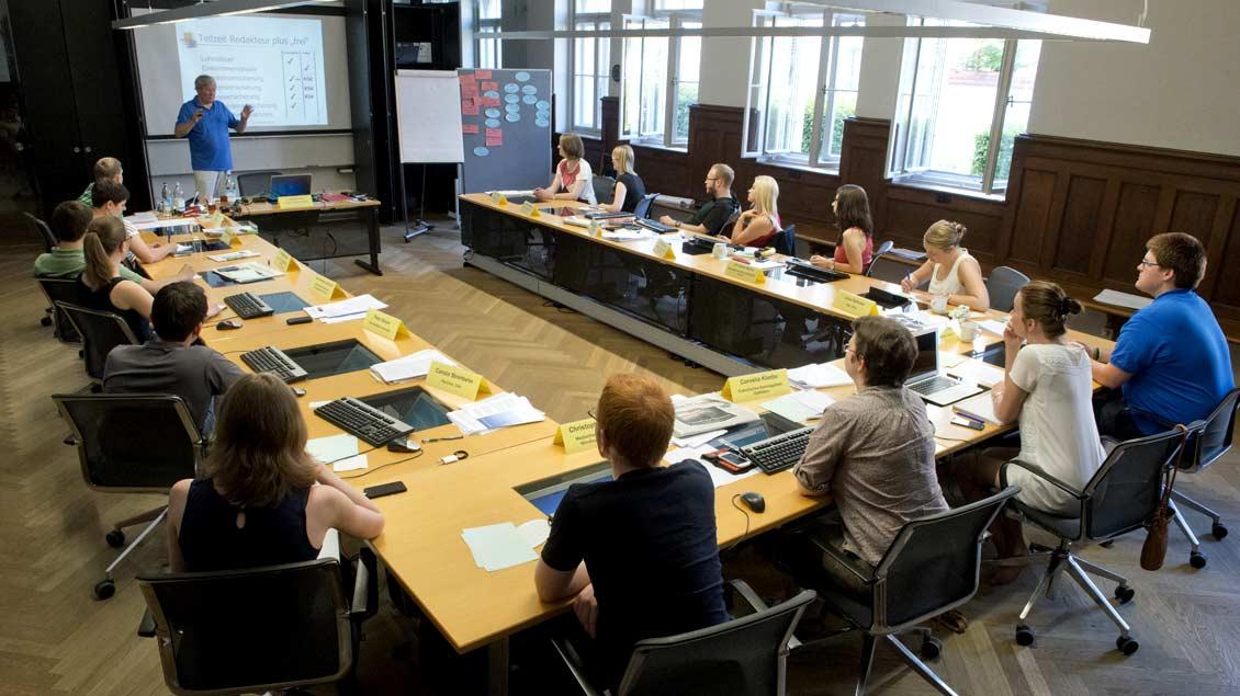 Acht Wochen Blockseminare im eigenen Bildungshaus in München gehören zur Volontärsausbildung des ifp.