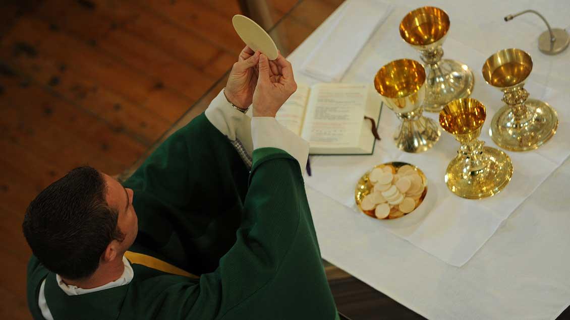 """Der """"Freckenhorster Kreis"""" fordert unter anderem, das Priesteramt zu öffnen."""