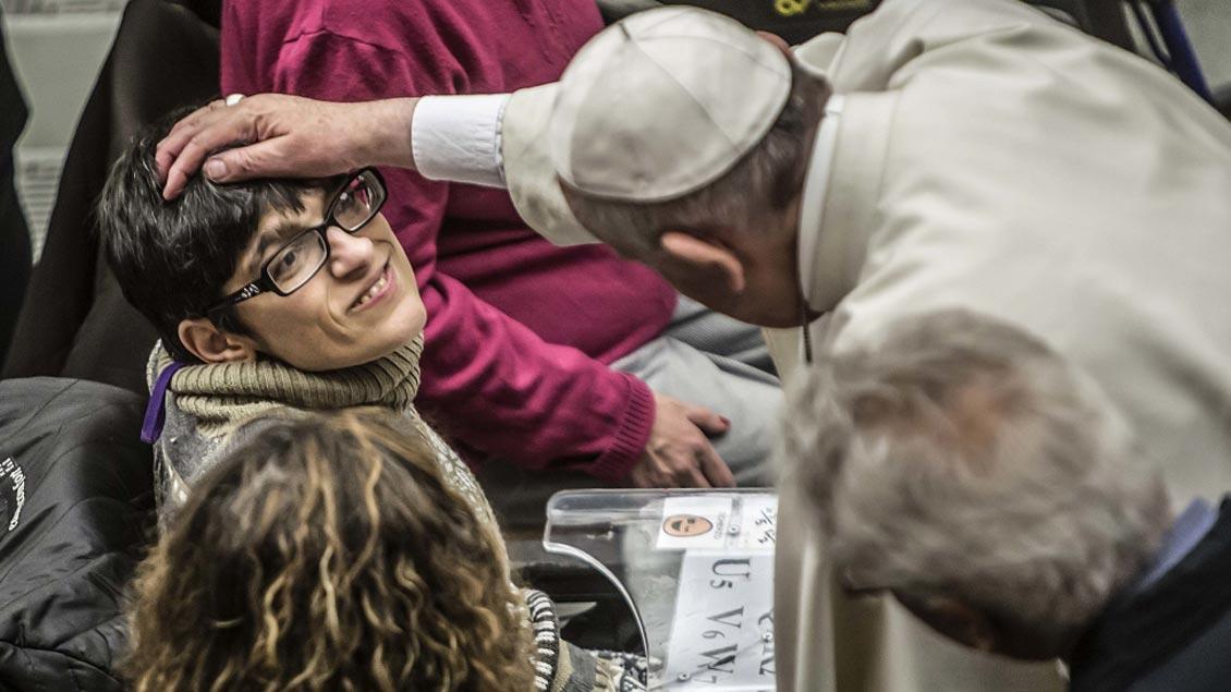 "Papst Franziskus hat im Vatikan Vertreter der ""Comunita di Capodarco"" empfangen."