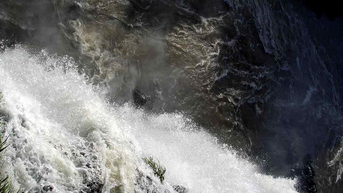 An den Iguacu-Wasserfällen in Brasilien.
