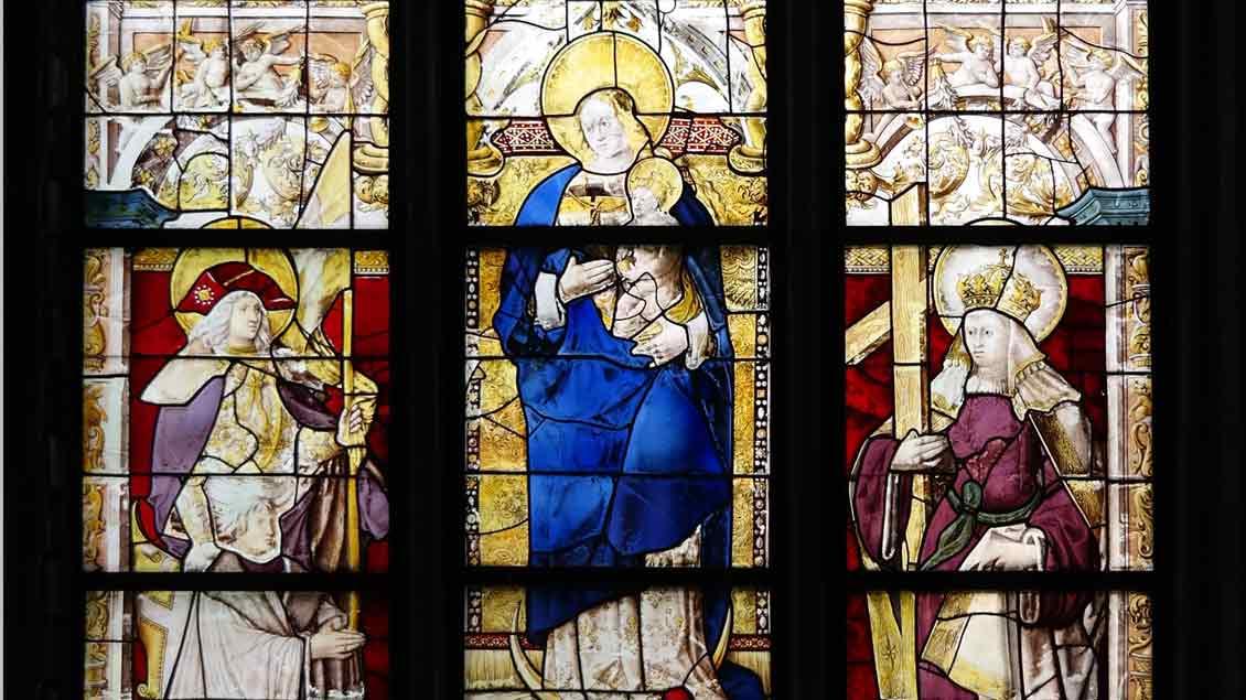Das Madonnenfenster im Xantener Dom gehört zu den wertvollsten mittelalterlichen Glasfenstern im Rheinland.