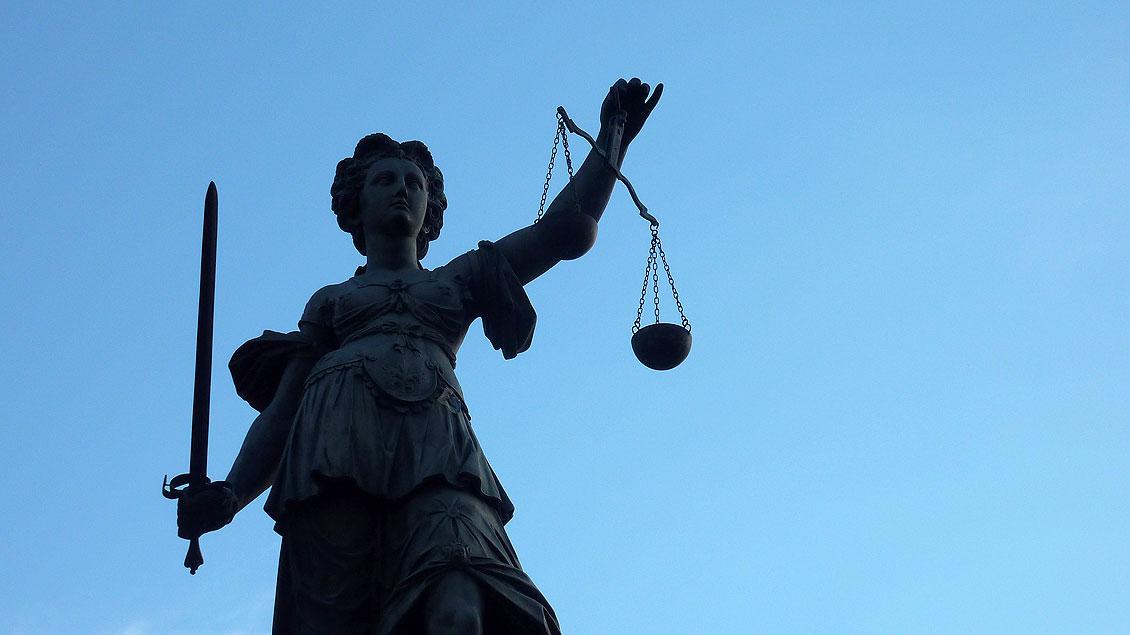Skulptur der Justitia Foto: Lupo/pixelio.de
