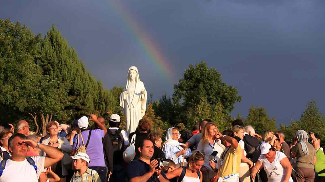1981 in Medjugorje gemeldete Erscheinungen sind in der katholischen Kirche umstritten.