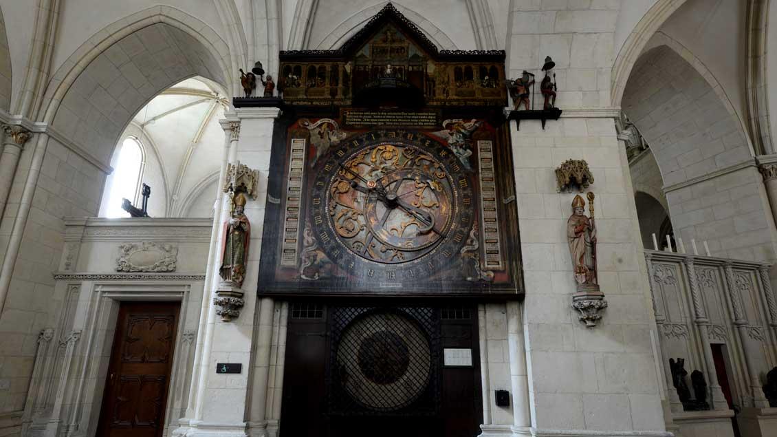 Anziehungspunkt in Münsters Paulus-Dom: die Astronomische Uhr.