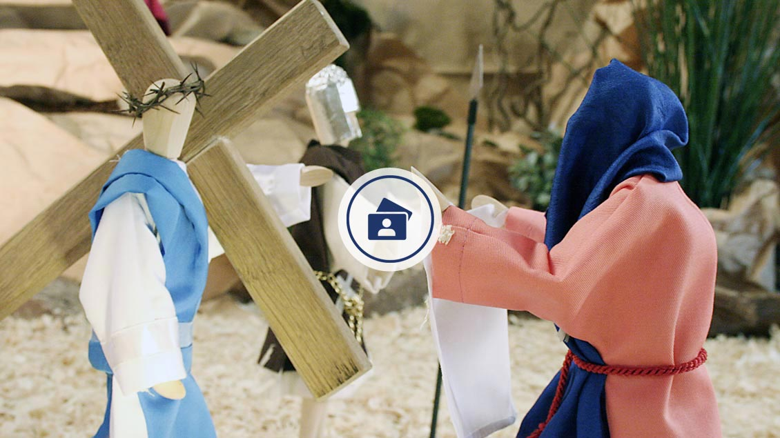 »Veronika reicht Jesus das Schweißtuch« heißt eine der Stationen der Holdorfer »Fastenkrippe«.