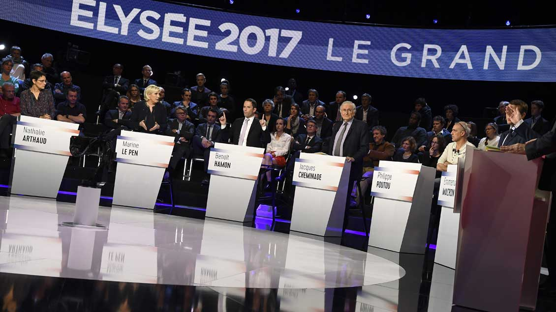 Bei der Fernsehdebatte der Kandidaten für die Präsidentschaftswahl in Frankreich.