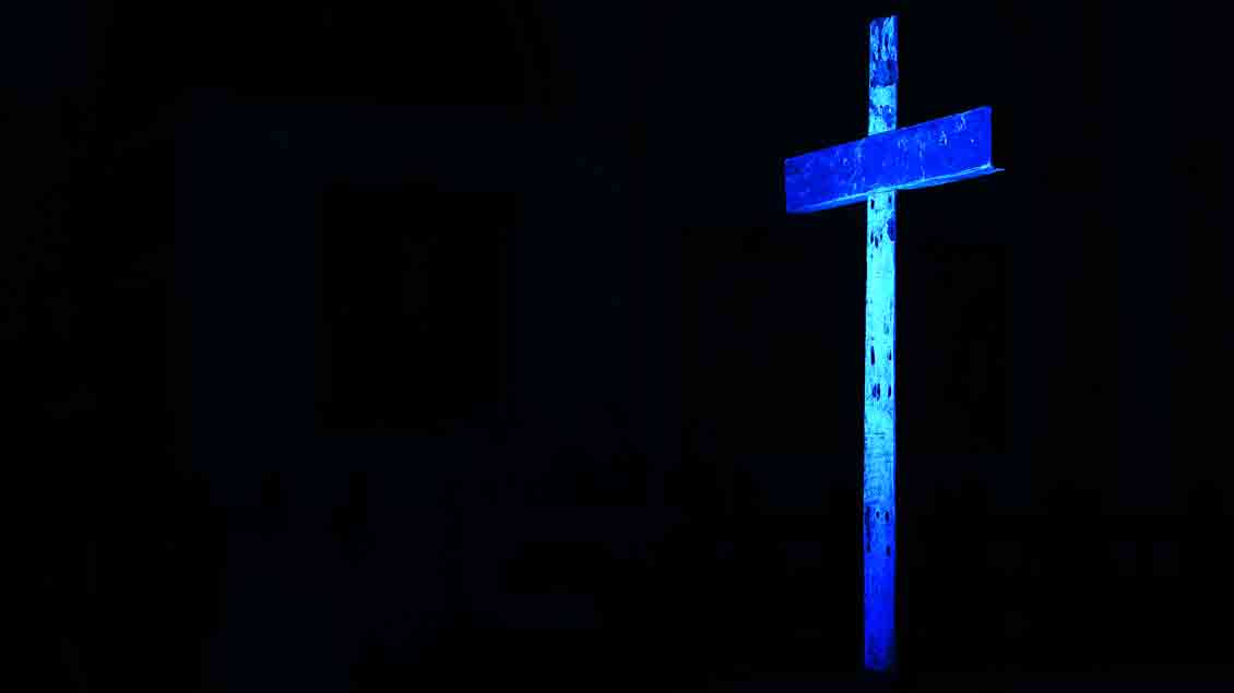 Trotz Kritik durch ihre Bischöfe: Immer noch lassen sich auf den Philippinen junge Männer ans Kreuz nageln.