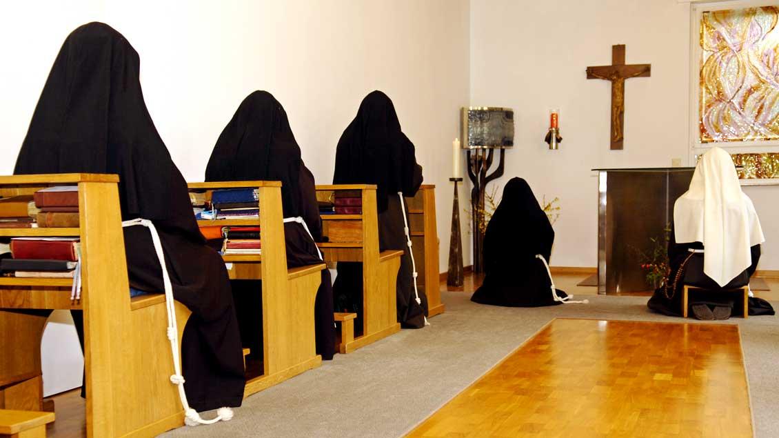 Blick in die Kapelle des Klarissenklosters in Münster, aus dem WDR und NDR am Sonntag die Eucharistiefeier übertragen.