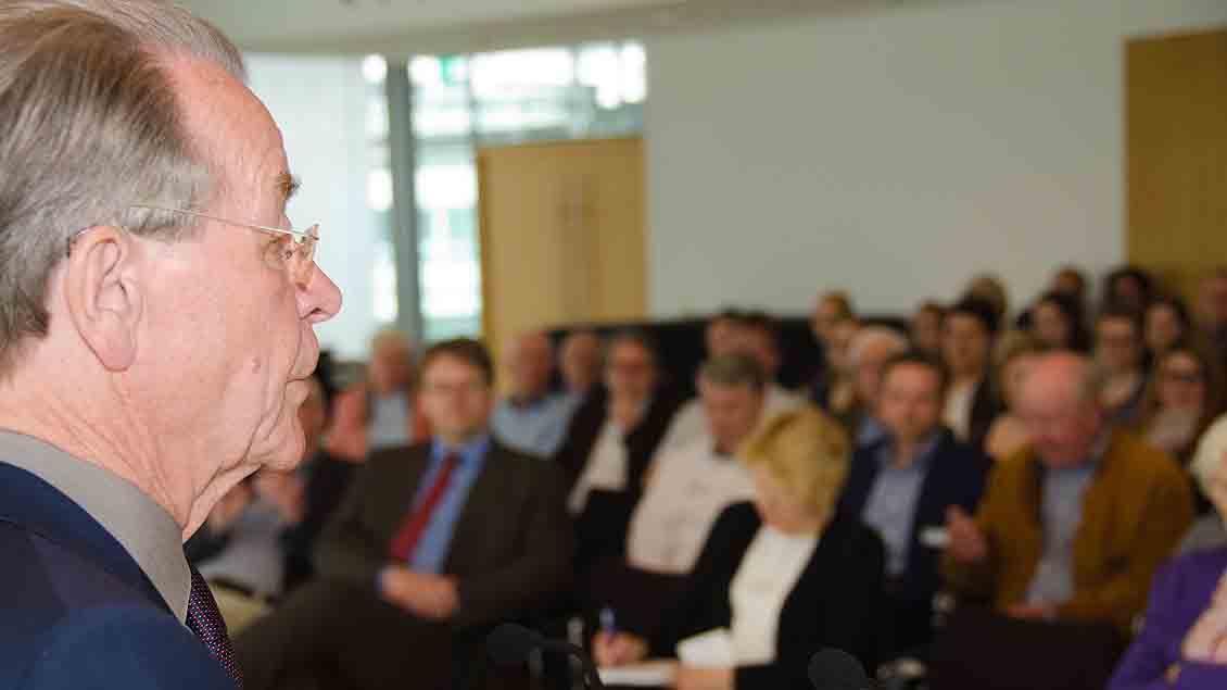 Mann der klaren Worte vor rund 200 Zuhörern im Vechtaer Kreishaus: EX-Vizekanzler Franz Müntefering (SPD).