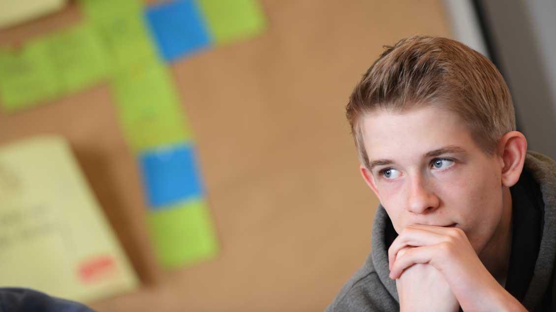Ein Jugendlicher in der Firmvorbereitung.
